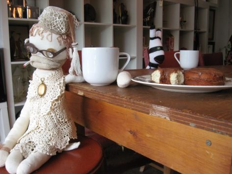 Blanche and I were enjoying our chocolate amaretto donuts and tea at Shiny Things Cafe, but did not converse with the escaped convict who sat at our table.